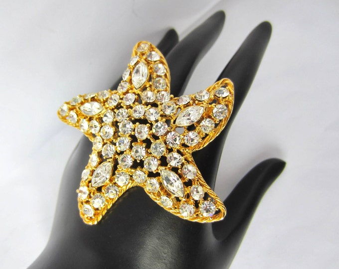 Big, SPARKLING MJENT signed Stylized, STARFISH Sea Life rhinestone pin ~vintage star costume jewelry