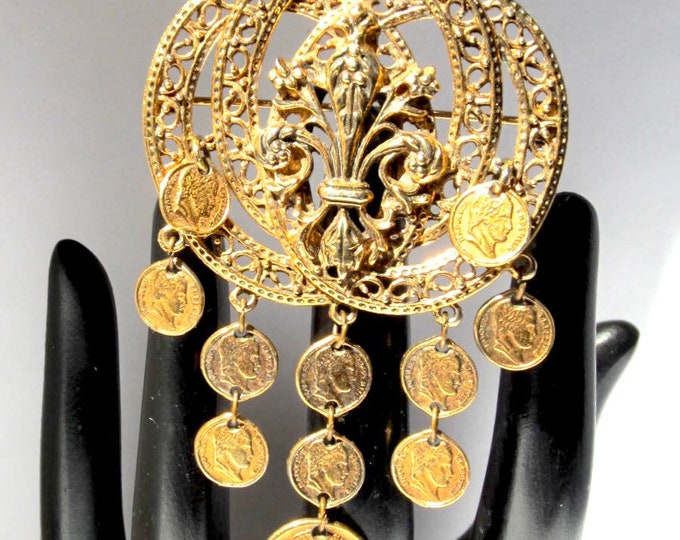 Art signed Fleur de Lis dangling Napoleon coin Brooch ~beautiful, collectible vintage costume jewelry