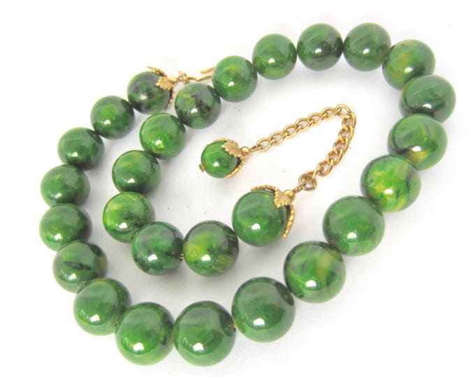 Early NAPIER signed BAKELITE End-of-the-Day green marbled NECKLACE ~hard-to-find, vintage costume jewelry