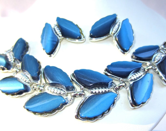Set teal BLUE THERMOSET chunky BUTTERFLY bracelet & matching earrings ~vintage costume jewelry