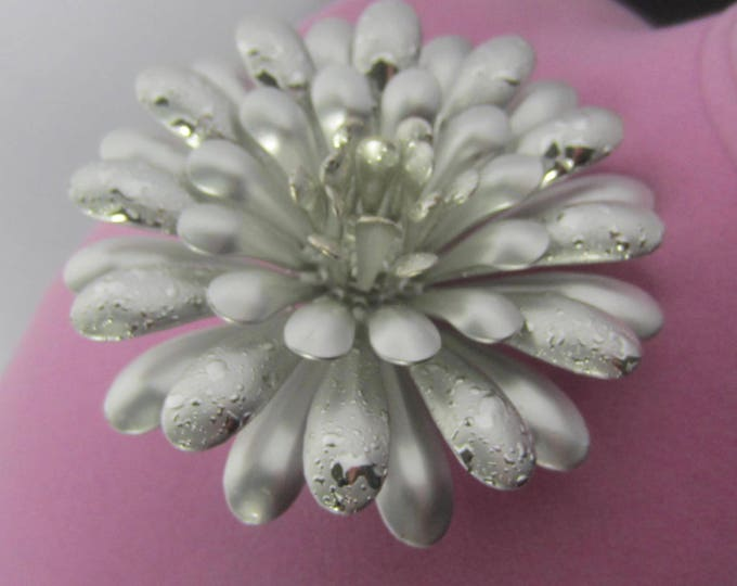 "Large, Frosted, ""Dew Drop"" ""FLOWER POWER"" PIN with metallic splats ~awesome, mid-century, vintage costume jewelry"