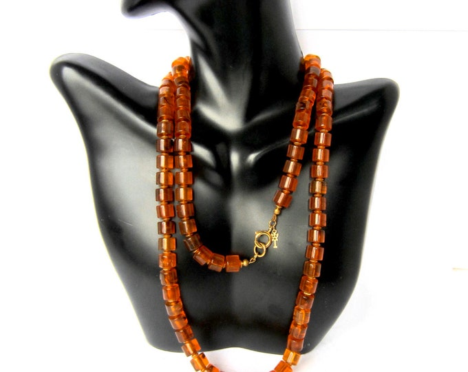 """TRiFARI BAKELiTE tested, signed, 31"""" long, golden Apple Juice, barrel beaded NECKLACE ~97 BEADs; 41 gms~ collectible vintage costume jewelry"""