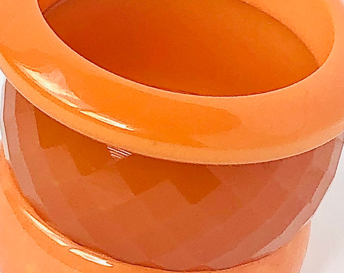 3 BAKELiTE tested Peach Bangles: 1 faceted & carved; 1 marbled; 1 saucer shaped with 115 gms of unique, beautiful vintage jewelry