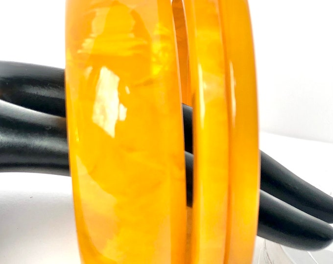 Trio: Bakelite tested fluffy, rich, yellow marbled Bakelite Bangles (2 cogs, 1 domed) lot ~86 gms of beautiful, marbled vintage jewelry