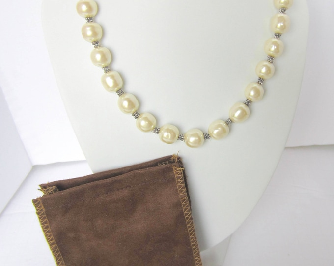 CAROLEE signed Creamy White Baroque Glass PEARL Bead NECKLACE with original pouch ~95 gm quality, vintage costume jewelry