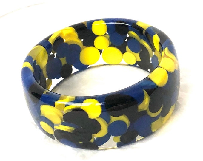 Big, Bold, Beautiful, Bubble Bangle Bracelet ~outstanding polka dot yellow & blue LUCITE vintage costume jewelry