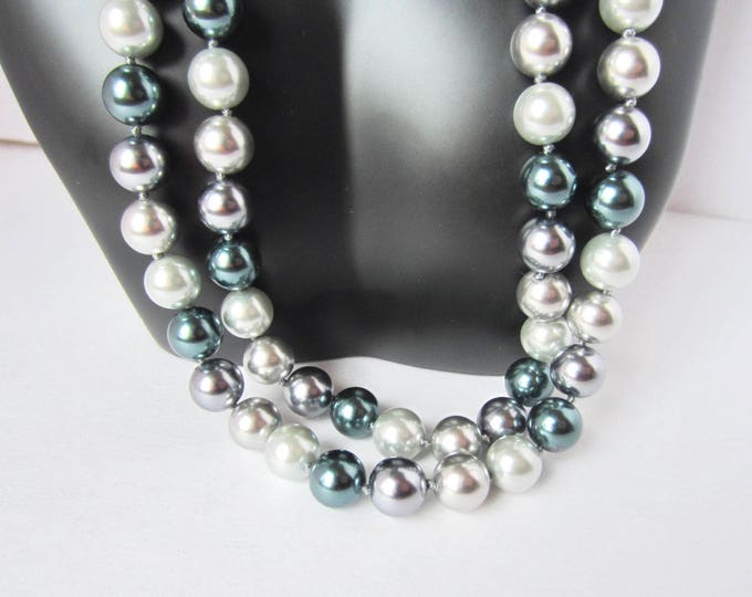 Kenneth Jay Lane (KJL) double strand, black & gray Glass PEARL Bead Necklace ~91 gms of lovely, vintage costume jewelry