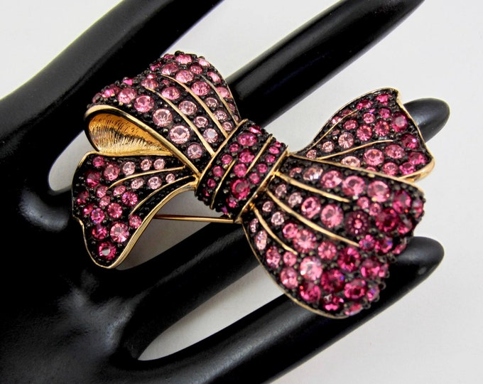 Joan Rivers signed BiG Pink/Fuchsia ombré & Black enameled PiN ~SIZZLiNG vintage costume jewelry