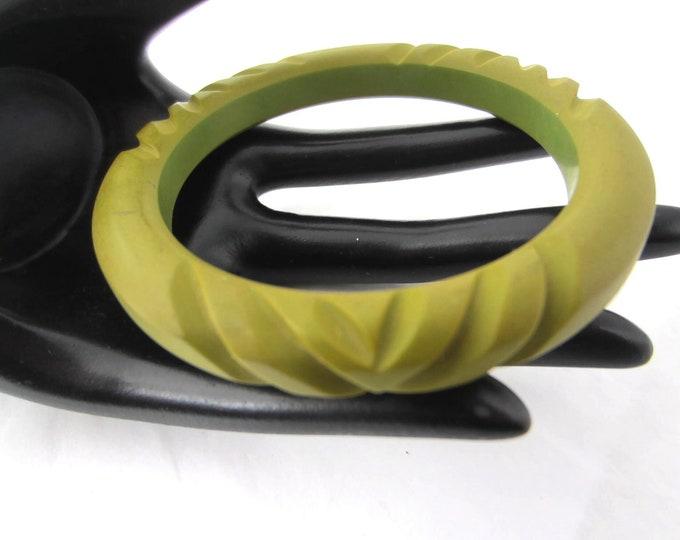 "Green BAKELITE tested carved Bangle Bracelet ~29 gms of unique ""pottery-like"" vintage costume jewelry"