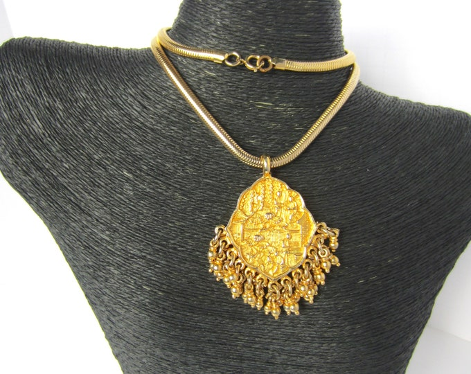 "Donald Stannard signed Asian Inspired tassel ""cha cha"" Pendant & original Snake Chain Set ~collectible vintage costume jewelry"
