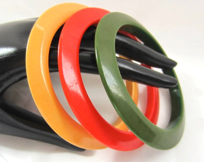 "3 BAKELiTE tested Red, Green, & Yellow ""Flying Saucer"" Bangle Bracelet Lot ~44 gms of stackable, collectible vintage costume jewelry"