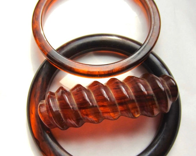 Reserved * Tortoise shell Bakelite tested marbled set: pin & two bangles ~47 gms of wonderful vintage costume jewelry