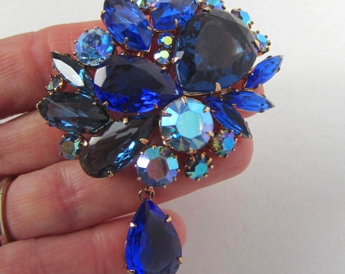 """Juliana D&E verified """"Shades of Blue"""" crystal bouquet PIN set in ROSE tone metal ~wonderful, mesmerizing vintage costume jewelry"""