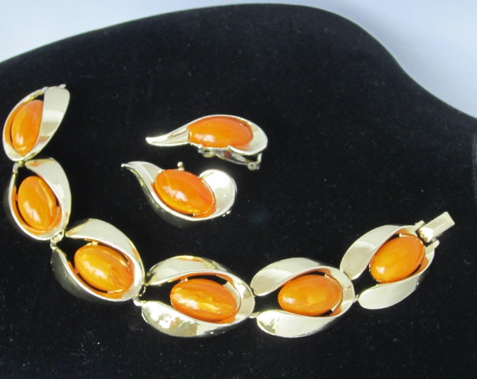 BAKELiTE tested Charel signed Butterscotch panel Bracelet & Earring set ~pretty, mid-century costume jewelry
