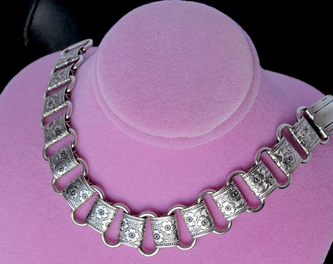 Flower embossed book chain panel silver tone Bracelet ~very pretty vintage costume jewelry