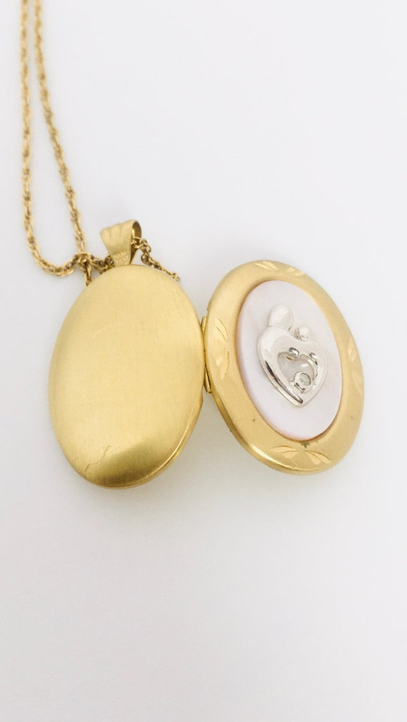 Vintage Gold Fill Locket Pendant / Vintage Mother… - image 6