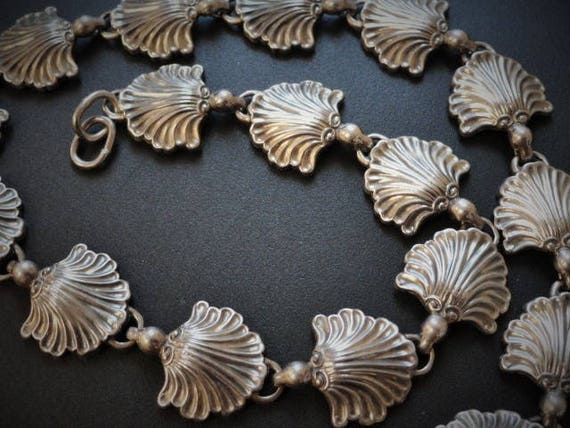 Scalloped Necklace, Clam Necklace,  Sea Shell Chok
