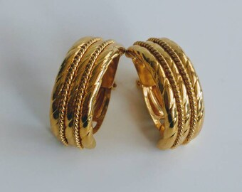 Vintage goldtone clip earrings Italy