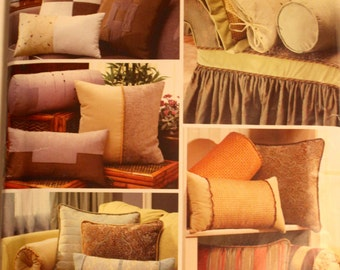 2006 Sewing Pattern, SIMPLICITY 4108 (Christopher Lowell). Complete & Uncut. Home: Pillow/Cushion Variations and Bolsters.