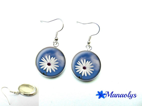 Earrings white flowers on blue background, 1172 glass cabochons