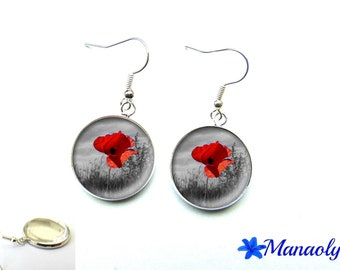 Poppy earrings on black and white, 1607 glass cabochons