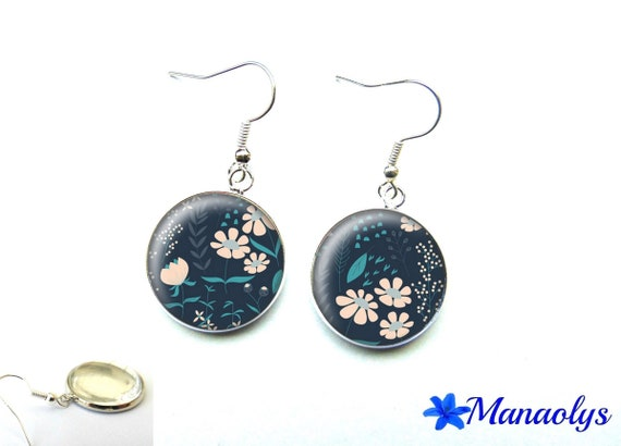 Earrings pink flowers, Navy blue background, 2070 glass cabochons