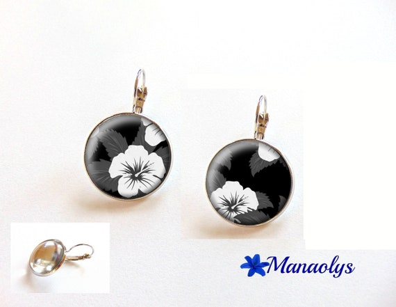 Hibiscus, flower, black and white, tropical, sleepers, 3521 glass cabochons earrings