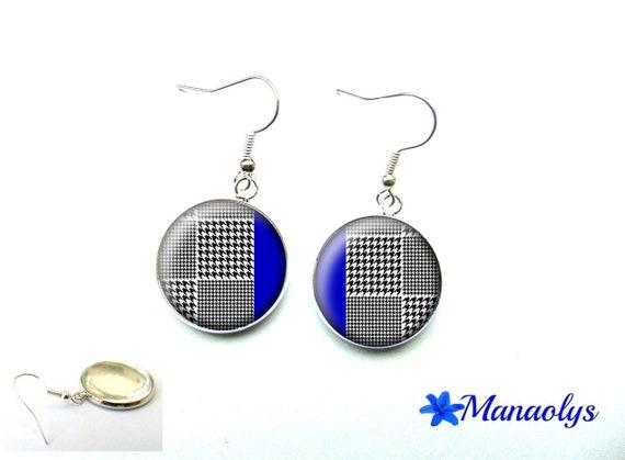 Chicken foot, black and white Plaid earrings, Royal Blue, tartan, plaid 3626 glass cabochons earrings
