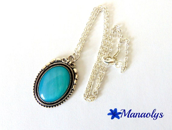 Necklace resin cabochon iridescent turquoise, Silver Oval support 213