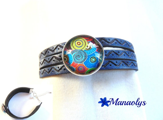 Navy blue leather bracelet, passing multicolored patterns 428 glass cabochon