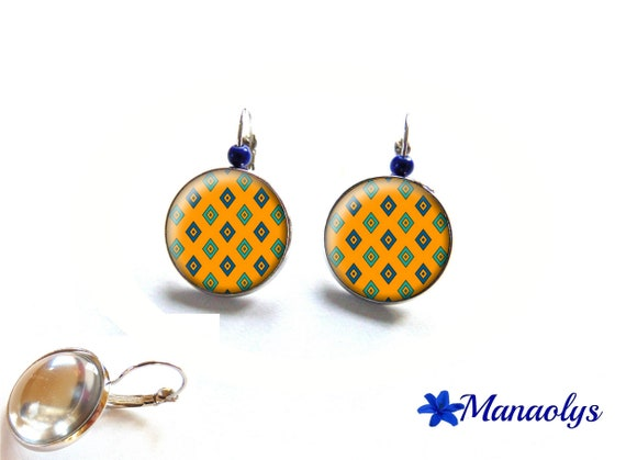 Stud Earrings, yellow earrings, Blue diamond pattern, 3426 glass cabochons