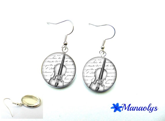 Violin, violinist, musician, 3482 glass cabochons earrings