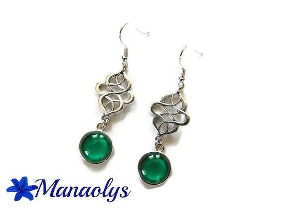 Celtic motifs, emerald green glass cabochons earrings