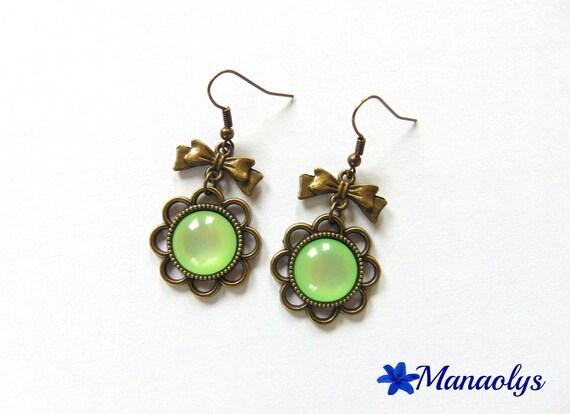 Vintage bronze flower green clear resin cabochon, knots 2260 bronze earrings