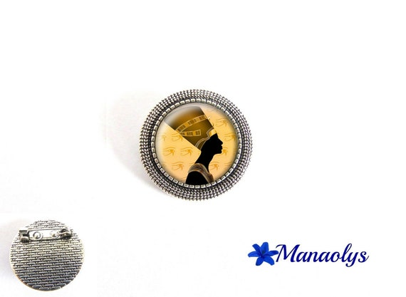 Brooch Nefertiti, antique silver round, Egypt, Queen Egyptian 38 glass cabochons