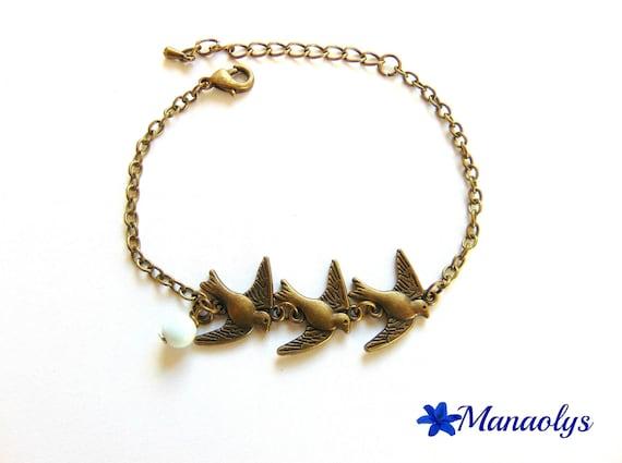 Bracelet birds, vintage, retro, white glass bead and chain bronze 172