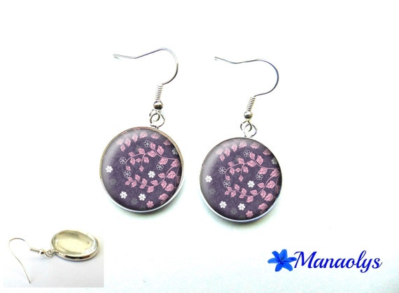 Earrings pink and white flowers on purple background, 3534 glass cabochons