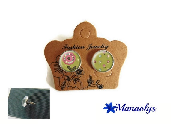 Round silver Stud Earrings, pink flowers on green background, 3503 glass cabochons