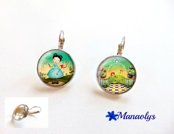 Alice, country of wonders, Stud Earrings, glass 3307 cabochons earrings