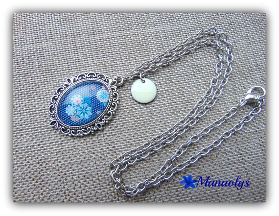 Necklace silver chain oval glass cabochon, blue and pink flowers!