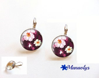 Earrings sleepers white flowers on pink background, 3460 glass cabochons