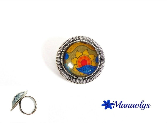 Ring adjustable round silver pendent, yellow flowers, Bohemian style, glass cabochons