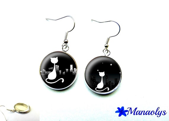 Earrings cabochon glass cat in the city, black and white 733