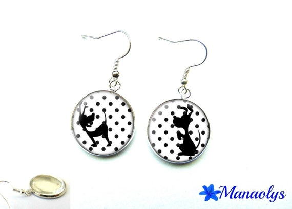 Earrings, black and white polka dots, 1488 glass cabochons and dog