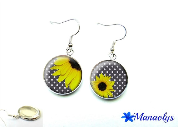 Earrings yellow flowers, bottom gray dots, 1365 glass cabochons