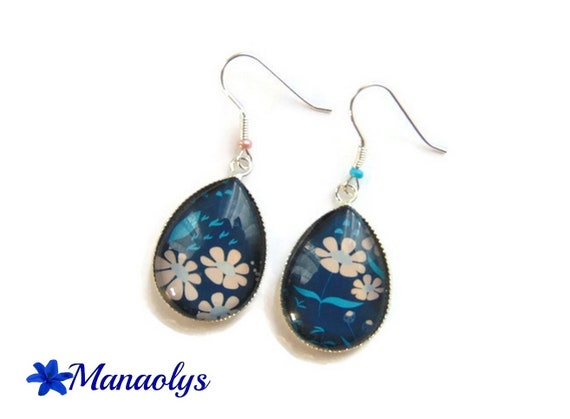 Earrings sleepers silver, Teardrop shape, glass, pink flowers on blue background 3047 cabochons