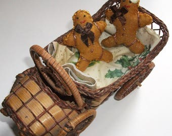 Snowman COUPLE in gingerbread. Christmas chocolate decoraation or toy