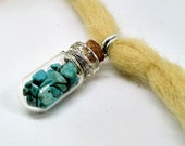Dreadperle with pendant/magic vial full of semi-precious stones/Aventurin