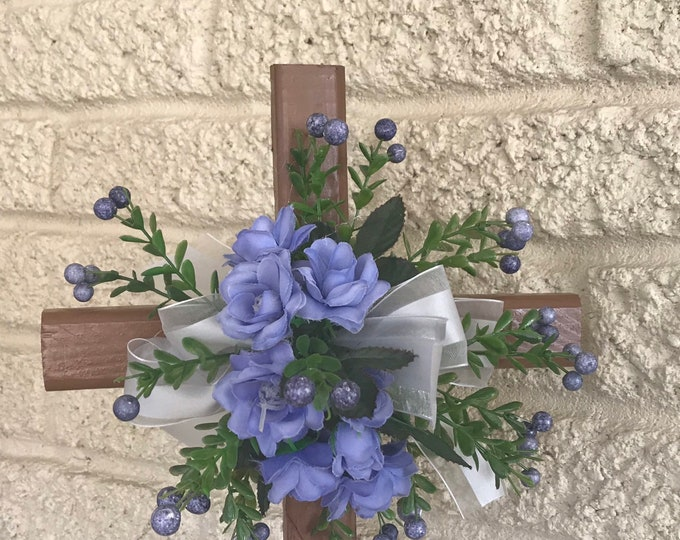 Cemetery Cross with flower arrangement, memorial cross, grave memorial, flowers for grave
