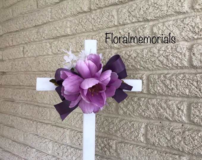 Cemetery Cross with flower arrangement, memorial cross, flowers for cemetery, grave decoration